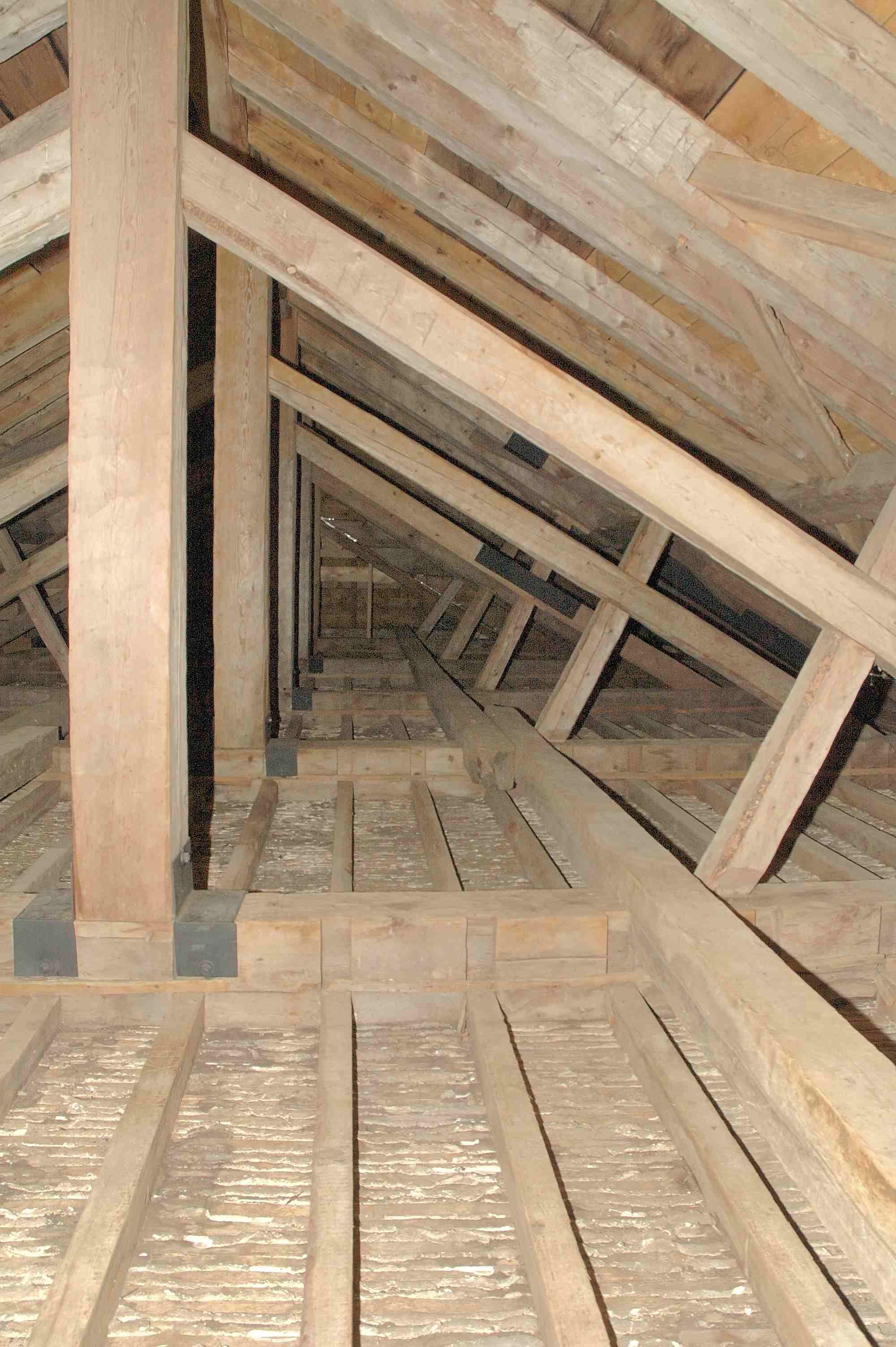 05 Roof interior